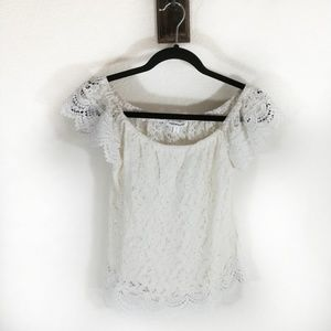 Roommates Lace Top with Lace Cap sleeve Size Small